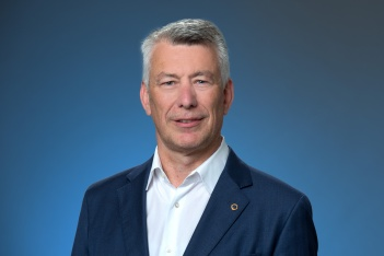 Daniel Schenker